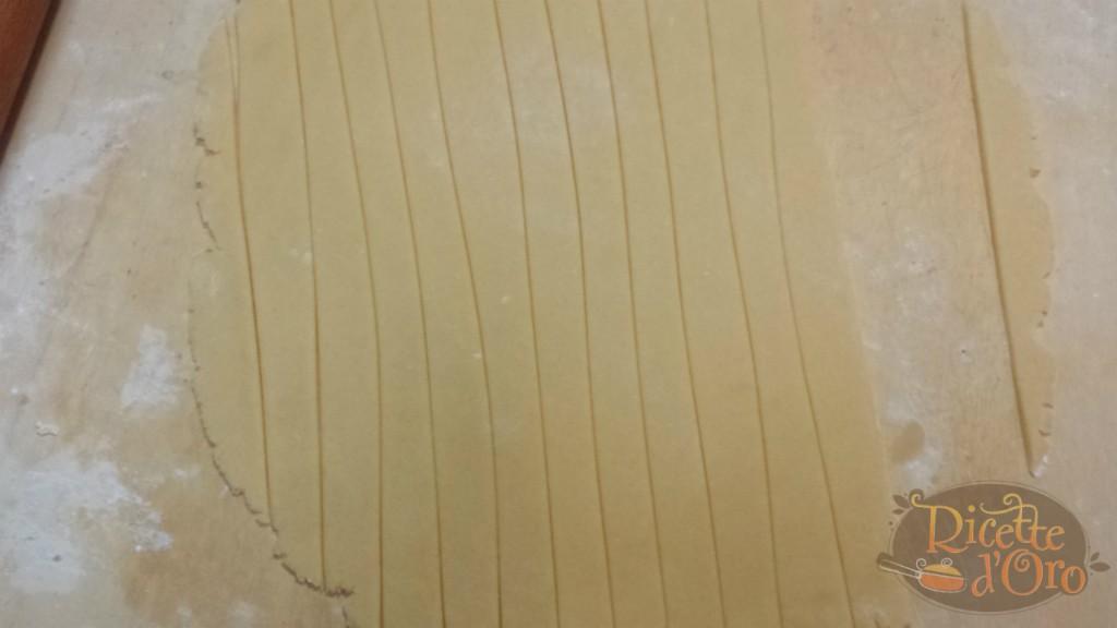 pastiera-napoletana-striscioline