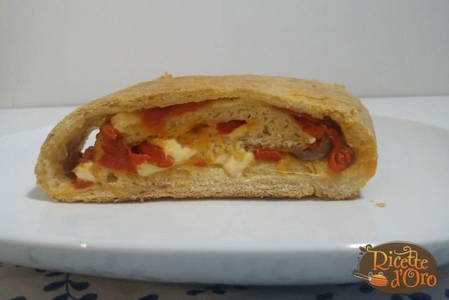 Rotolo-Pizza-Peperoni-Provola