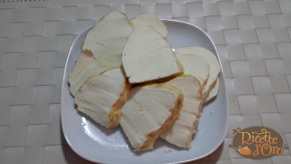 mozzarella-impanata-fette