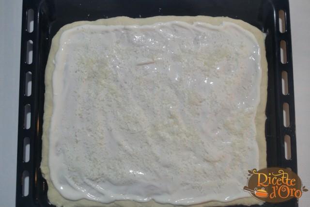 Pizza-bianca-Prosciutto-Cotto-Funghi-Panna