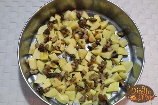 Salsicce-patate-e-funghi-al-forno-02