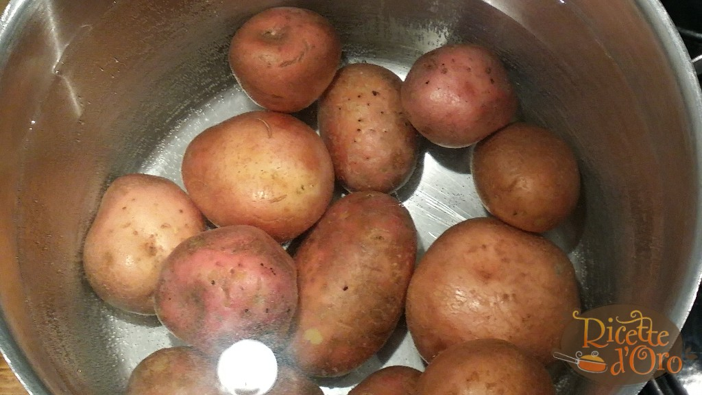Torta-salata-patate-gorgonzola-prosciutto-cotto-bollitura