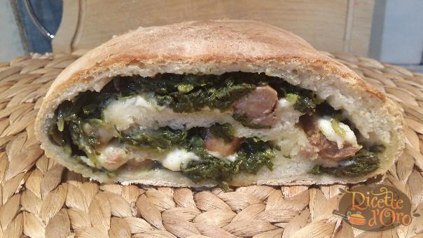 Rotolo-di-Pizza-Salsiccia-Friarielli2
